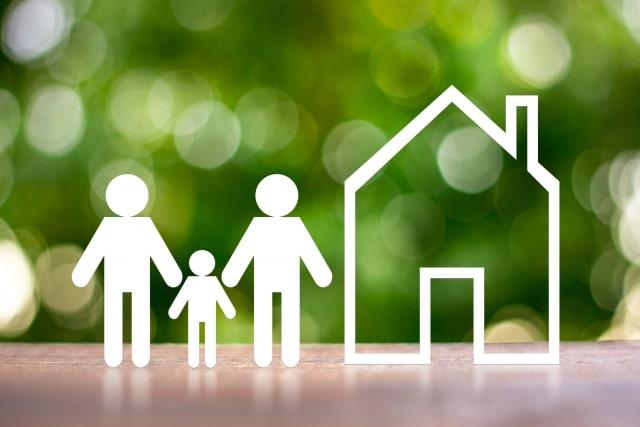 住宅ローンを検討する夫婦